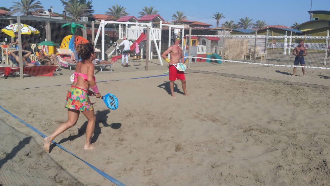 Beach tennis al bagno pineta la foto gallery uisp grosseto - Bagno pineta follonica ...